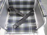 車椅子の座面洗浄前